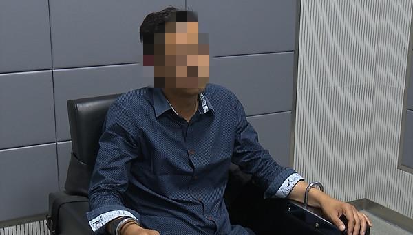 男子被带至派出所审查_meitu_1.jpg