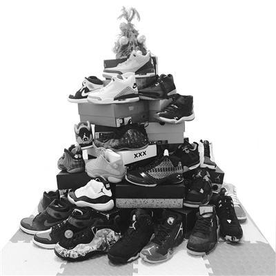 原价1299元10天炒到8000元 二手潮鞋市场爆发