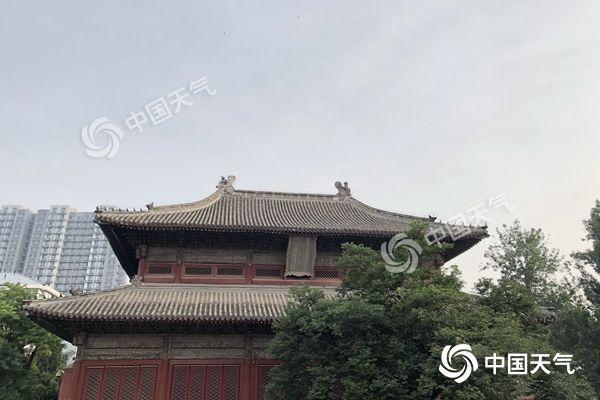 北京今天升温重回30℃+ 夜间到明天雨水再起