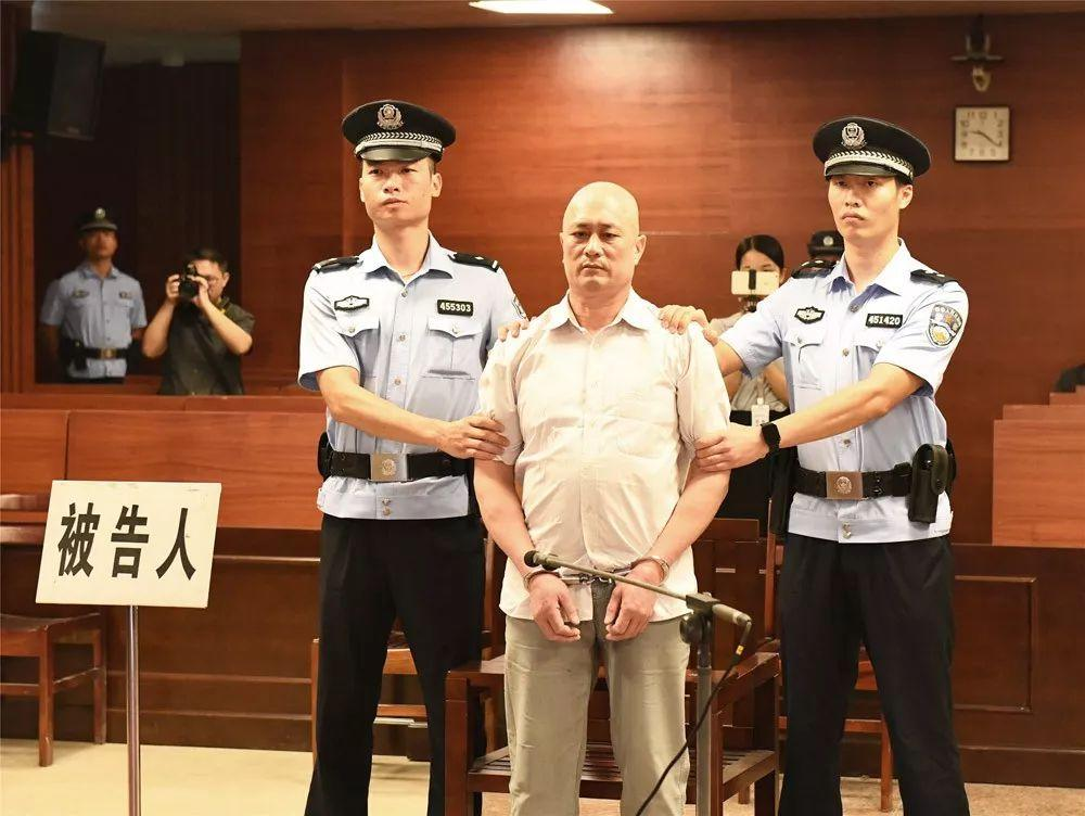 广西玉林恶性汽车撞人案一审宣判 被告人获死刑通辽市科区教体局