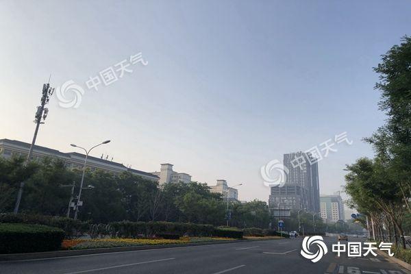 35℃!今天北京高温天气重返需防晒 周末降雨降温