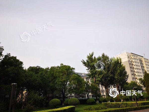 """今夜至明天上午雷阵雨给北京""""退烧"""" 明天气温25℃"""