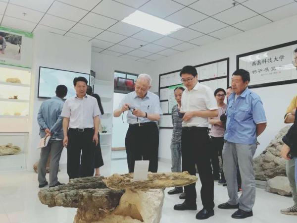 西南科大建国内首个钙华馆 曾参与九寨沟钙华点修复