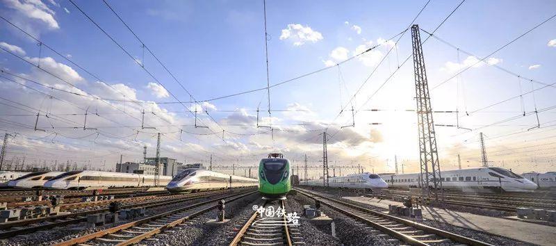 """长三角铁路""""概念车""""成亮点 想体验一下旅游专列吗?"""