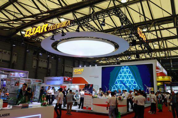 钱江机器人携明星产品惊艳亮相埃森展 引领中国焊接新趋势