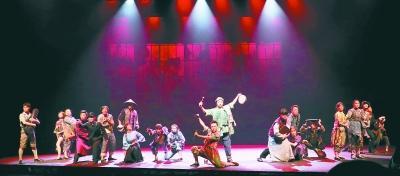 兒童劇舞臺營造出大片場面