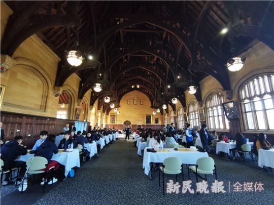 世界冠军对弈与学生棋赛同场进行 大学生围棋世锦赛在悉尼大学开,田宁身价