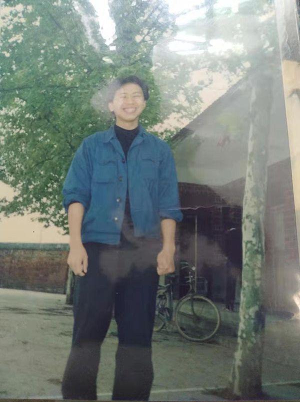李尚平被杀后的17年:父死妻远嫁 儿子从小沉默寡言