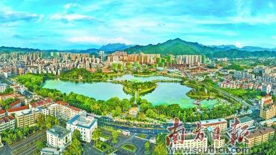 秀美的梅州乡村风景犹如一幅田园山水画,引人入胜.