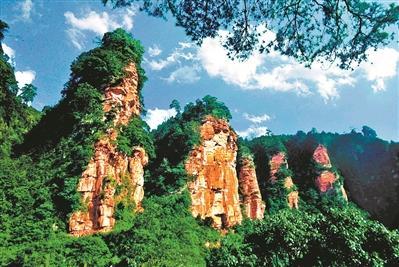 """暑假夏令营正当""""红"""" 感受红色文化旅游路线受"""