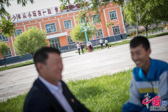 """天山冰雪牧道引路人――党员努尔江的""""初心"""""""