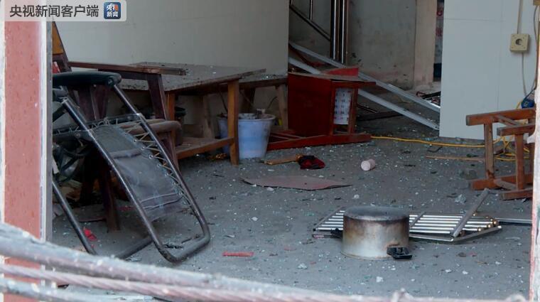 广西岑溪市归义镇石坡村一民房发生燃爆致7人受伤