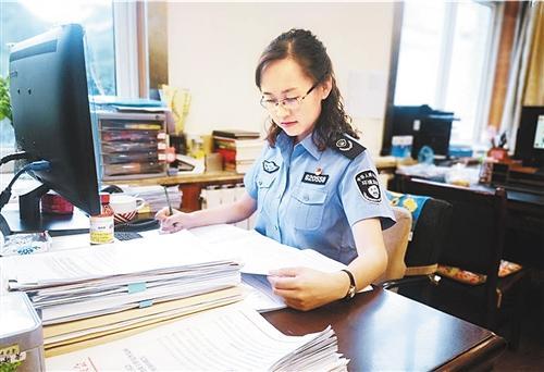 甘肃兰州市环境监察局马青:毫厘必究的蓝天卫士