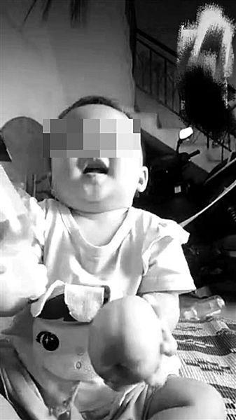 幼童踩尿摔倒身亡第三方鉴定:符合虐待和家暴致死