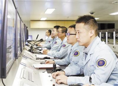 """远望5号船""""90后""""测控技师:""""追星""""10年保驾护航"""