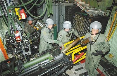 """将火炮搬上飞机? 老而弥坚的安-12将变身""""空中炮艇"""""""