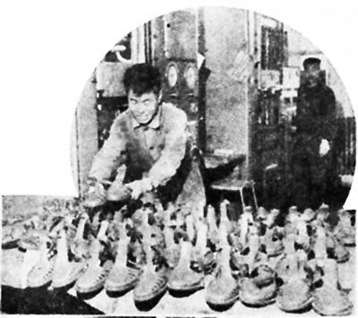 温故:当年风靡夏日的塑料凉鞋