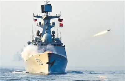 """人民日报海外版:中国军队是世界的""""安全锚"""""""