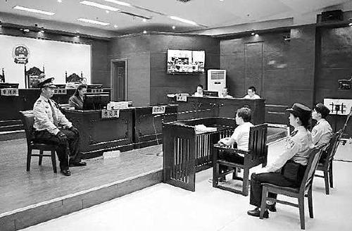 """安徽蚌埠一粮站""""霸道""""站长数罪并罚被判刑十八年"""