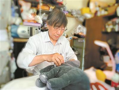 旧毛绒玩具修复师:我修复的是记忆和感情