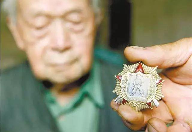 <b>老兵不朽!这位91岁老人,竟是上甘岭战役传奇英雄</b>
