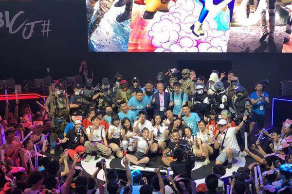 """全球娱乐业最大市场生变:游戏大厂""""傍上""""云端大佬"""