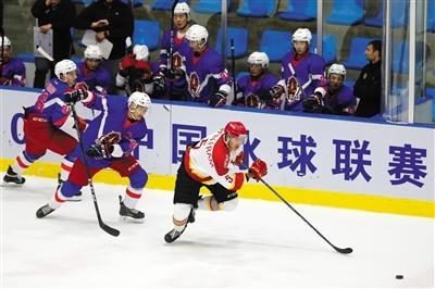 中国冰球联赛首站5队参赛 两队为欧美球队
