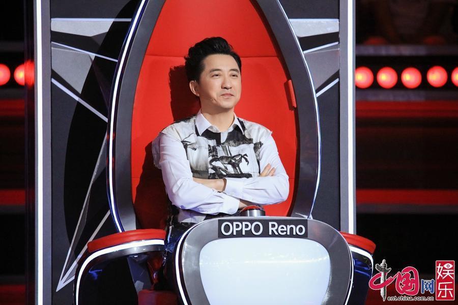 《中国好声音》播出第四期 王力宏抢人亲自登台伴奏