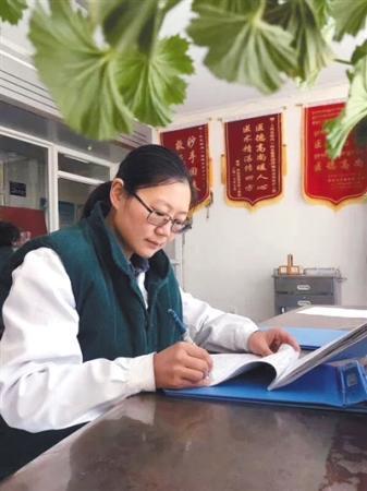 """周南:自愿进藏的""""中国好医生"""""""