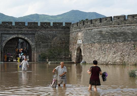 抗台风救灾 青年不缺席大南充网中国梦 此次台风是今年以来登陆的最强台风