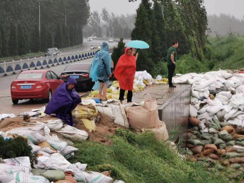 山东寿光降雨未停 弥河凌晨漫堤下游河滩地部分被淹