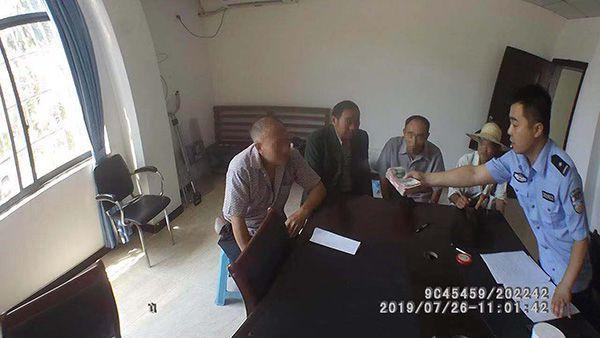 """六旬老漢報警尋""""妻"""" """"奶奶輩""""詐騙團伙5人落網"""