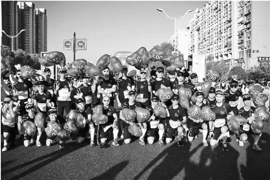 """杭州女子马拉松招募""""兔子""""1200个小伙竞争50个名额"""