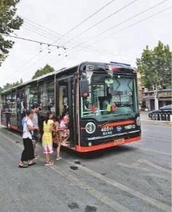 武汉公交是否需要中英双语报站
