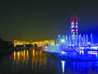 北京:玲珑塔下的水月交响曲