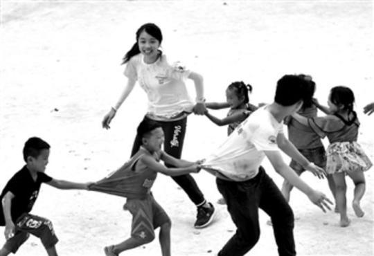 烏英苗寨孩子們的暑假