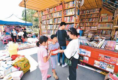 江西抚州:流动图书进乡村