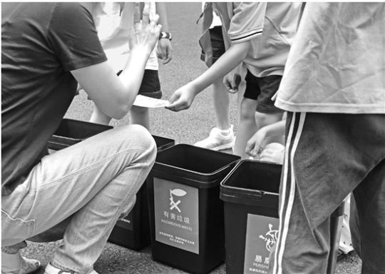 一个暑假接待三万多人次 天子岭成了杭州学生网红打卡地