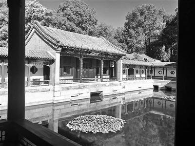 北京:北海公园画舫斋景区昨起开放