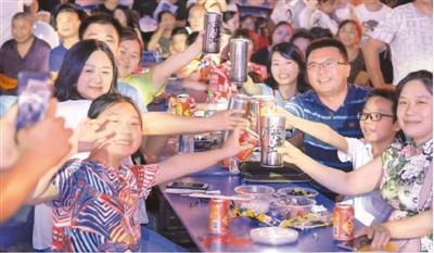 [rmbbo]提前消费借贷消费增多 石消原 意味着中国人不爱存钱了吗?