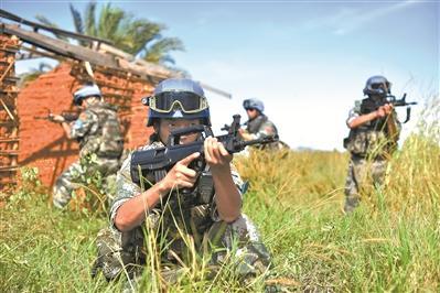 """""""中国红""""托举""""和平蓝"""" 中国维和待命部队建设成效显着"""