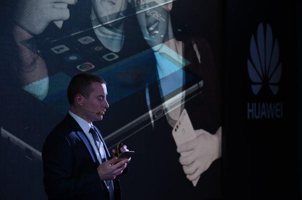 """超越苹果和三星 中国手机成为""""战斗民族""""的最爱"""
