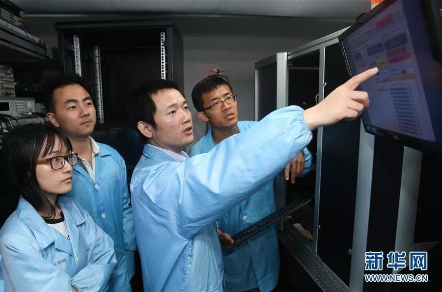 牛津大学、布里斯托大学、罗马大学、麻许杨青省理工学院等名校已经开始在光量子芯片和量子计算等领域发力