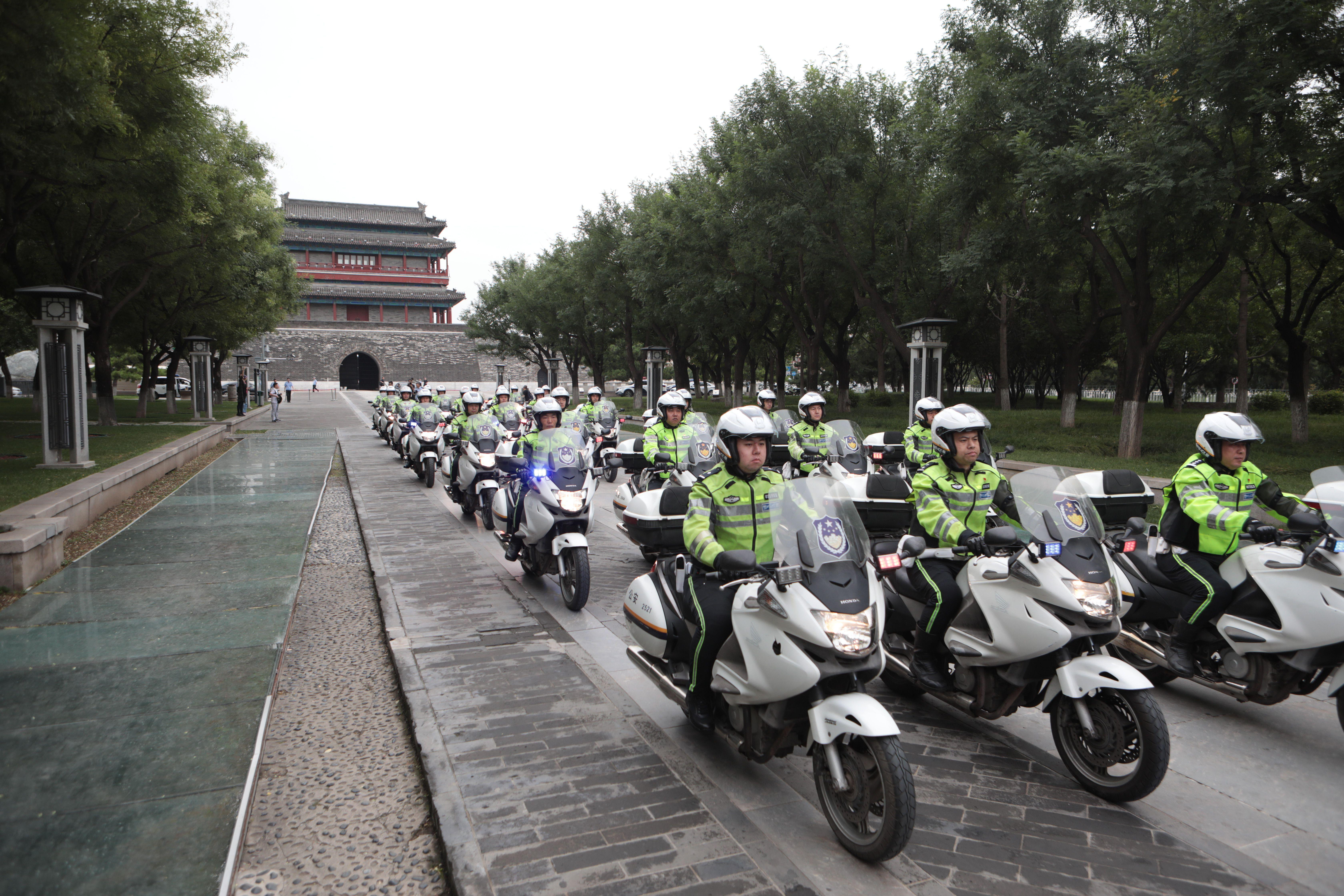"""北京交警增添""""铁骑队"""" 三环路内接警5分钟即到现场"""