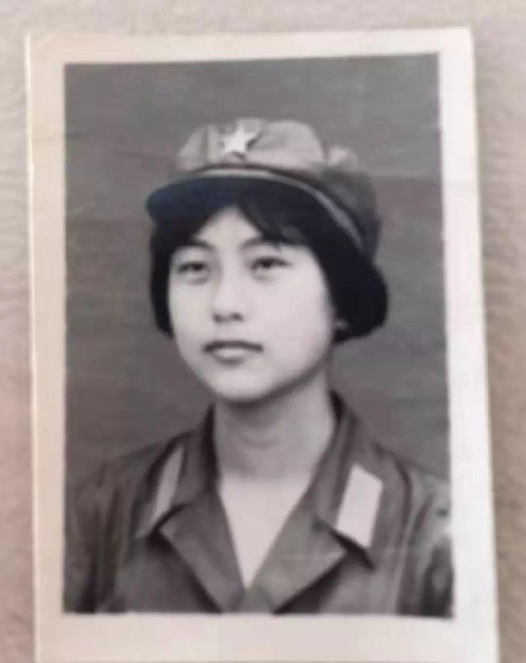 南京454医院四维70岁,她驾驶飞机,再次飞上蓝天!
