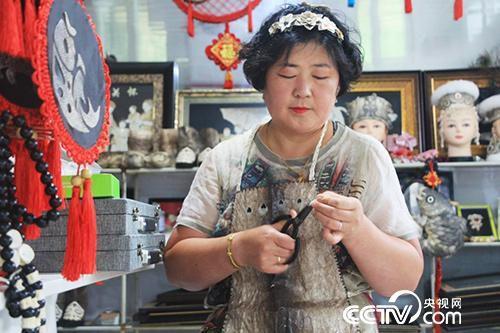 八岔村海珠合作社理事长王海珠。(何川 摄)