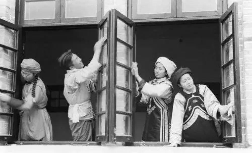 新华社记者 毛松疾病健德堂最新友 摄 1952年7月31日