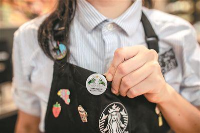 无声咖啡店:过半店员有听力障碍 用手语和客人沟通