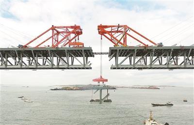 世界最长跨海公铁大桥在福建建成 连接...
