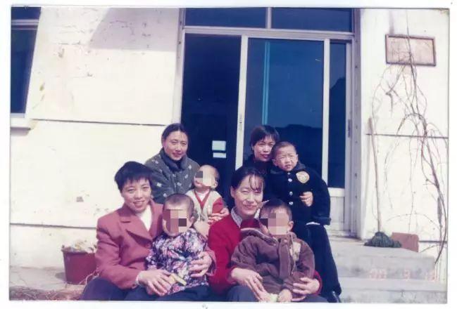 """坚持20年,母爱让自闭症少年成""""中国的毕加索"""""""